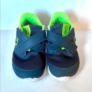 *HOST PICK* Cutest little Nikes. Star runner. EUC.